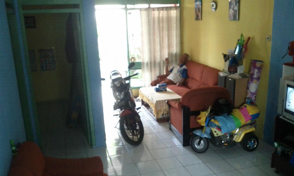 ruang tamu rumah minimalis  tebet